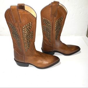 Frye Billy Hammered Stud Boot in Cognac Brown 6.5